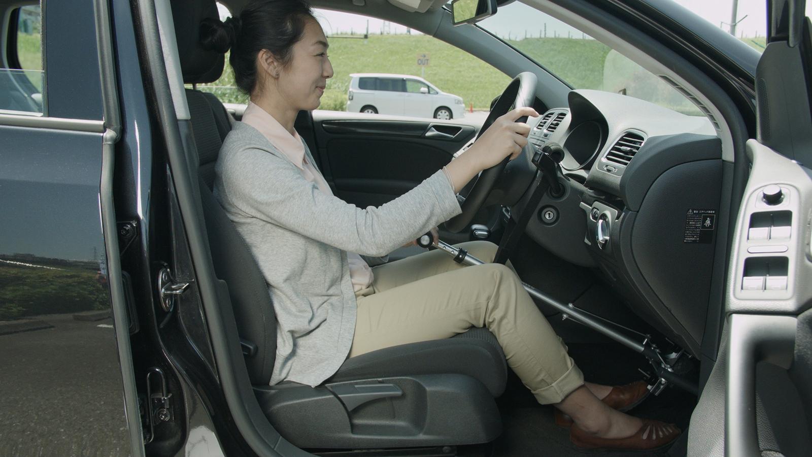 障害者運転支援装置 ハンドコントロール HANDCONTROL ニコ・ドライブ  春日井 小牧 尾張 愛知 edge
